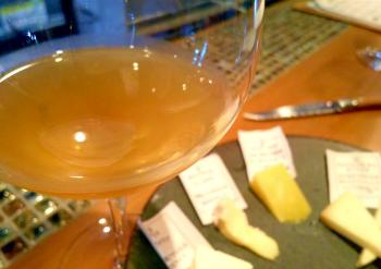 自然派ワイン オレンジワイン チーズ
